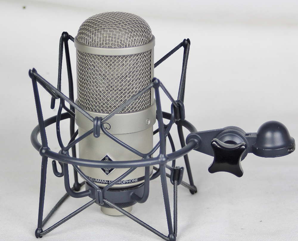 NEUMANN M147 with mount