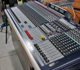 SOUNDCRAFT GB8 32 Channels