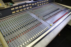 DDA DMR12 - 56 input console with patchbay